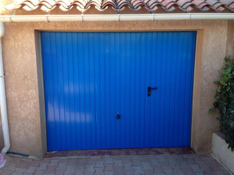 Portes de garages basculantes toulon hy res var la londe for Alarme porte de garage basculante